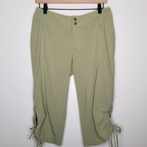 Athleta Green Quick Dry Capris Size 4